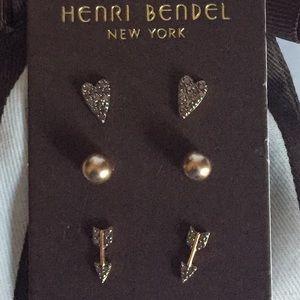 NWOT Henri Bendel Stud Earrings